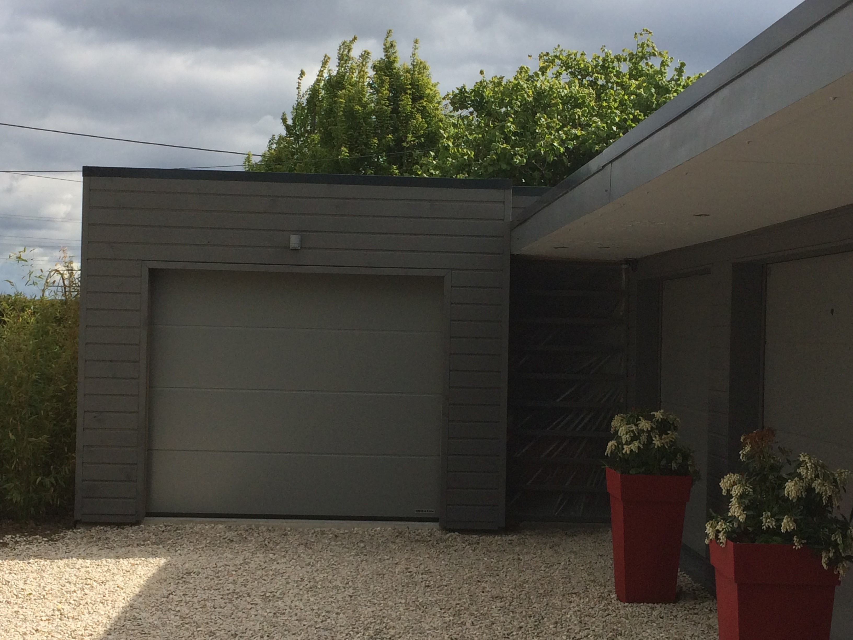 garages bois green park. Black Bedroom Furniture Sets. Home Design Ideas
